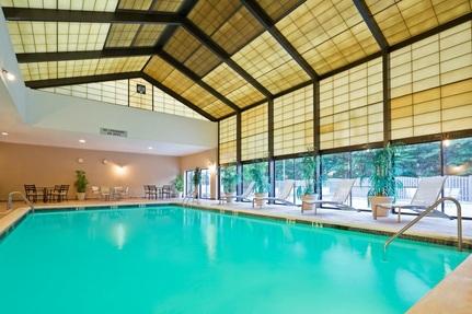 Monroe pool pic start making waves for Pool design bordentown nj